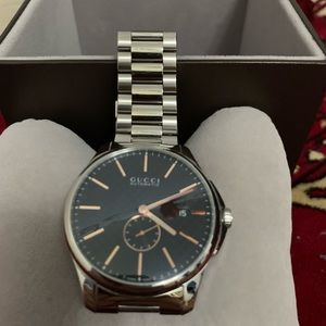 Gucci Timeless Black Dial Stainless Steel Watch